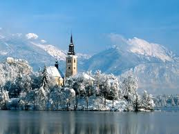 http://www.vivalditravel.hu/user_images/44/advent_karintia_bled.jpeg