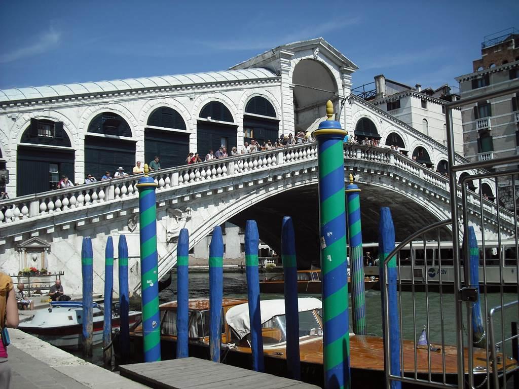 http://www.vivalditravel.hu/user_images/utak_11__velencei_karneval_olaszorszag_vivalditravel_(1).jpg