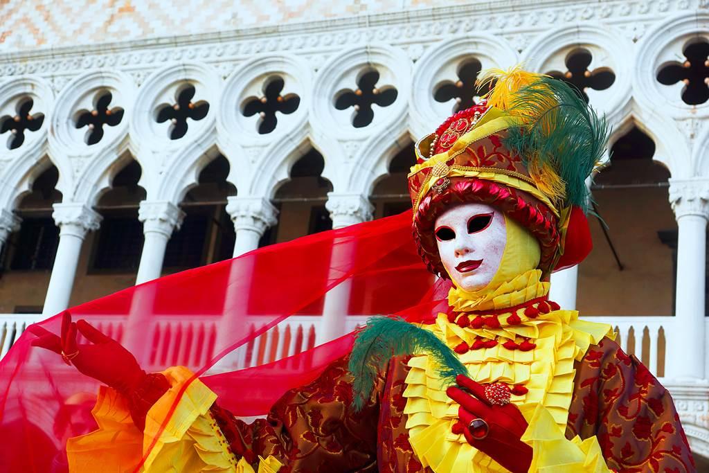http://www.vivalditravel.hu/user_images/utak_1376__velencei_karneval_vivalditravel003.jpg