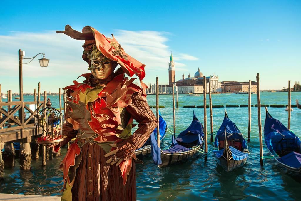 http://www.vivalditravel.hu/user_images/utak_1377__velencei_karneval_vivalditravel004.jpg