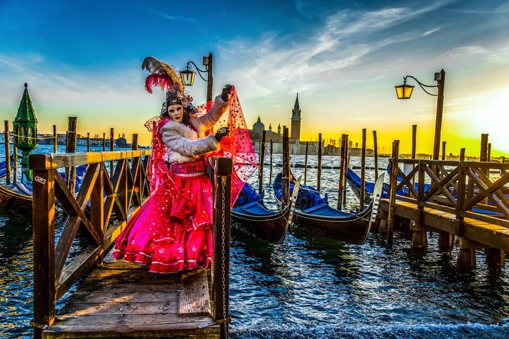 http://www.vivalditravel.hu/user_images/utak_1379__velencei_karneval_vivalditravel006.jpg