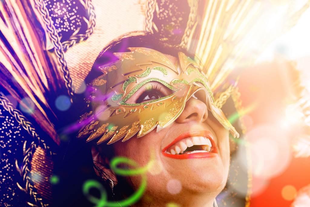http://www.vivalditravel.hu/user_images/utak_1390__velencei_karneval_vivalditravel001.jpg