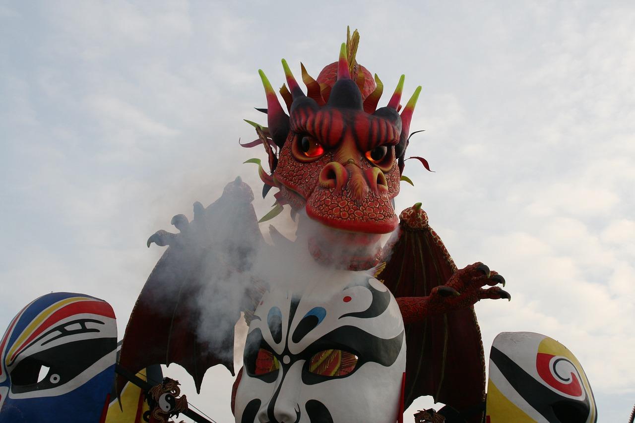 http://www.vivalditravel.hu/user_images/utak_1792__viareggio-i_karneval_vivalditravel.jpg