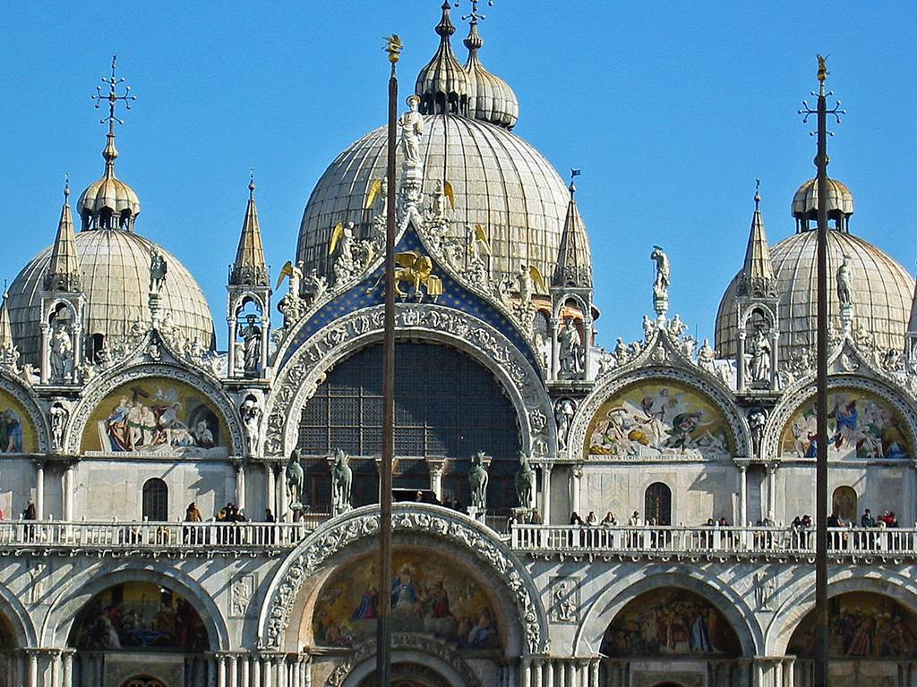 http://www.vivalditravel.hu/user_images/utak_19__velencei_karneval_olaszorszag_vivalditravel_(9).jpg