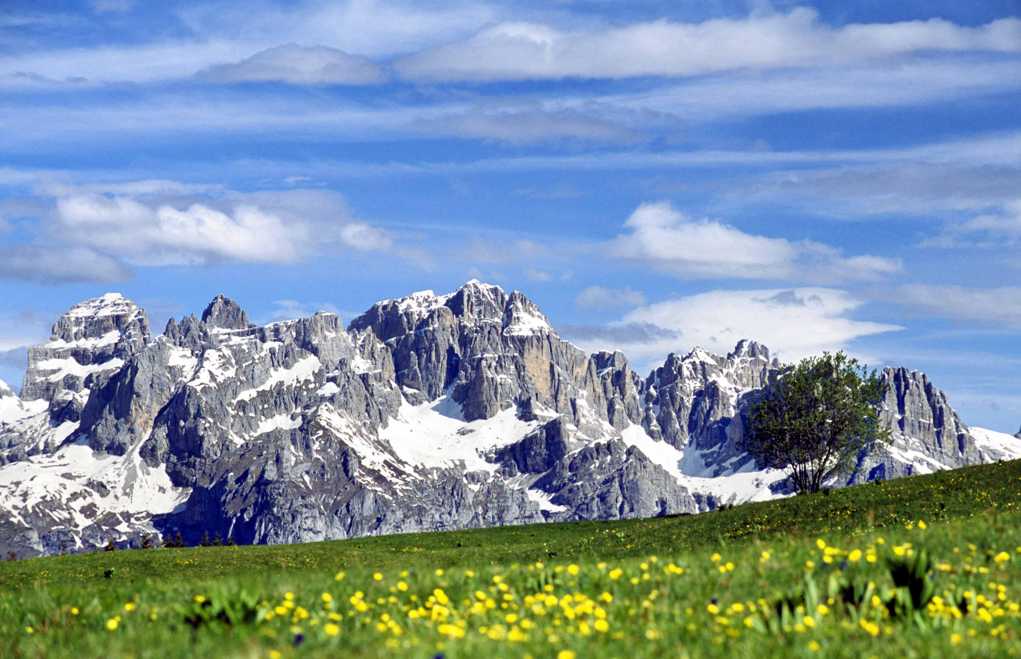 Aktív kikapcsolódás a Dolomitokban: kirándulás vagy via ferrata kezdőknek és haladóknak