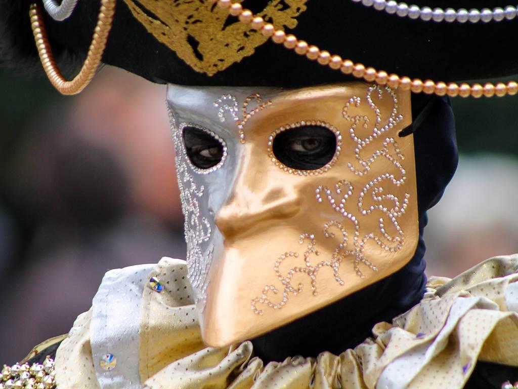 http://www.vivalditravel.hu/user_images/utak_22__velencei_karneval_olaszorszag_vivalditravel_(12).jpg