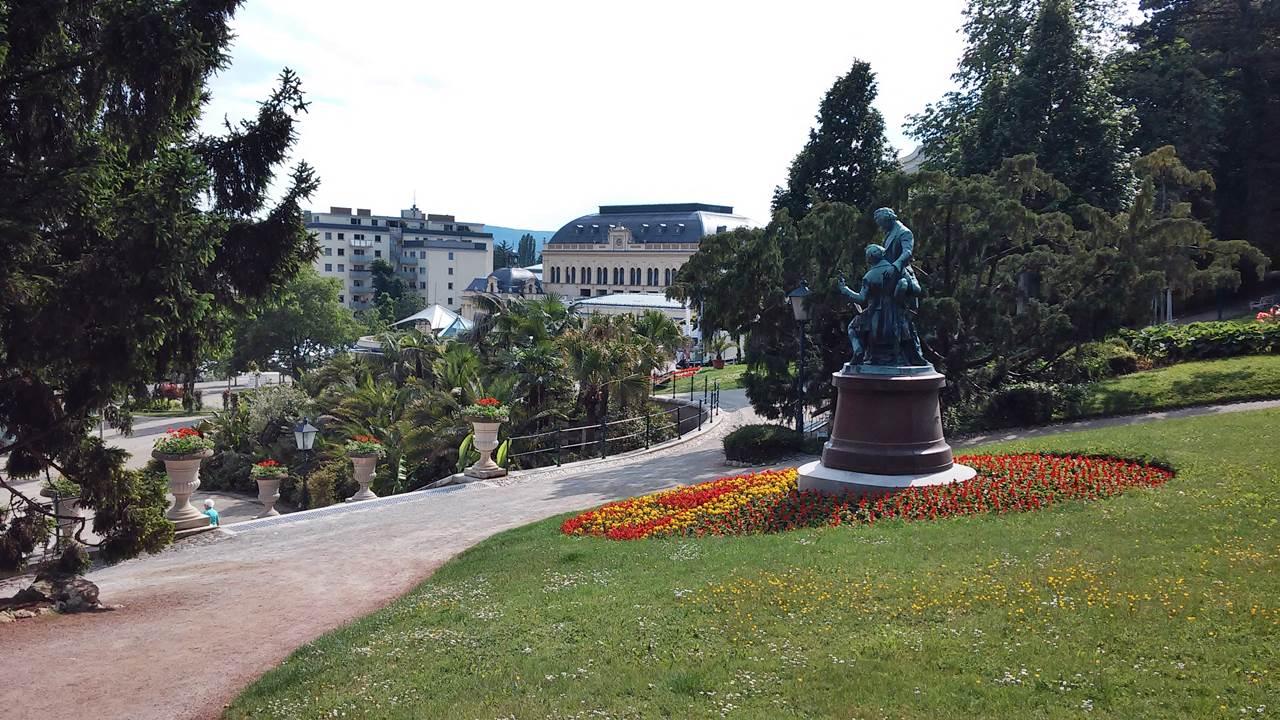 Badeni rózsák és a Laxenburg kastély